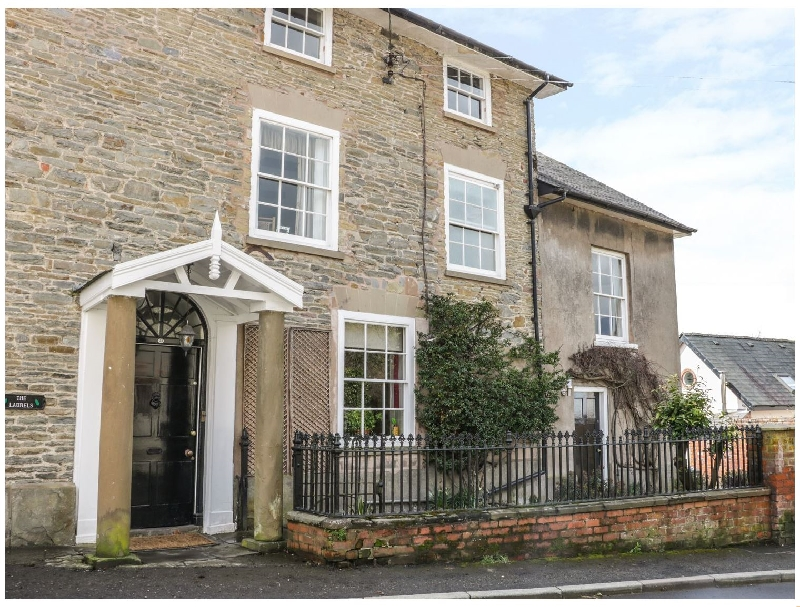 The Laurels a british holiday cottage for 15 in ,