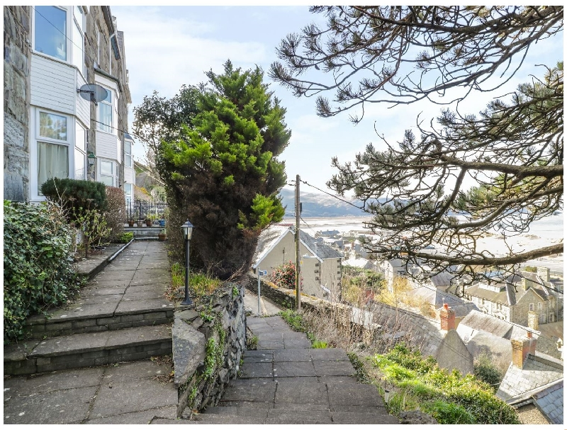 Seaview Apartment a british holiday cottage for 2 in ,