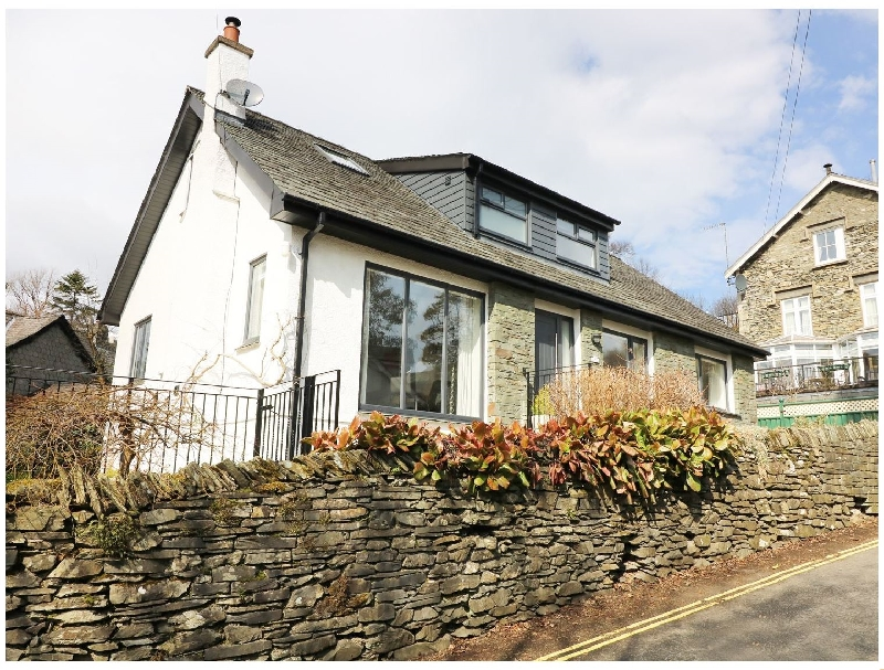 Click here for more about Wysteria Cottage