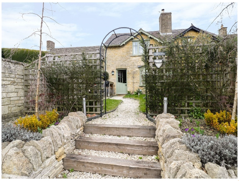 Puffitts Cottage a british holiday cottage for 5 in ,