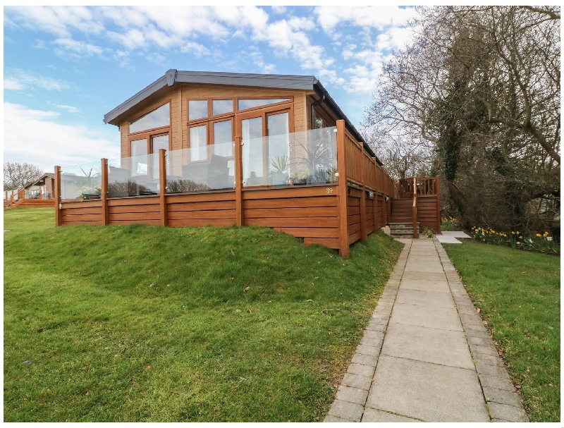 Cedar Lodge a british holiday cottage for 4 in ,
