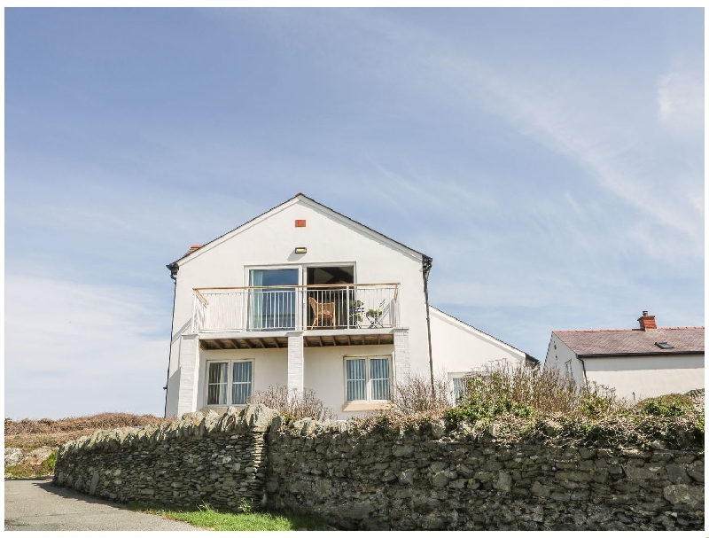 Seascape a british holiday cottage for 8 in ,
