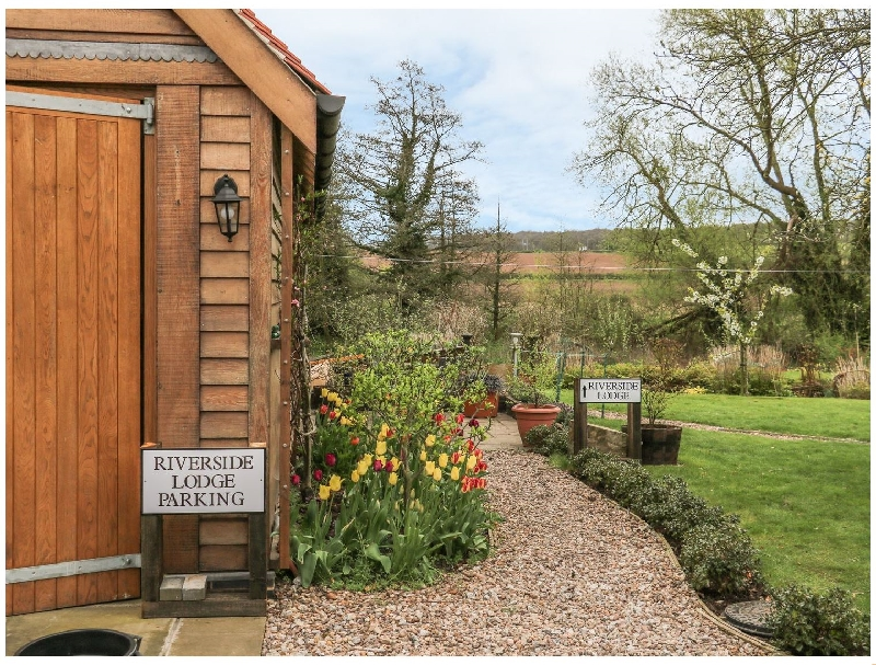 Riverside Lodge a british holiday cottage for 2 in ,