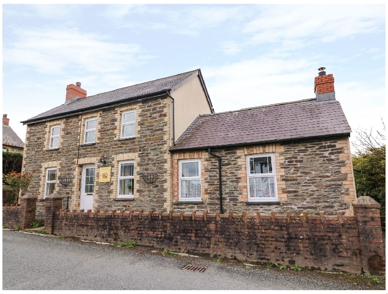Cozy Cwtch Cottage a british holiday cottage for 4 in ,