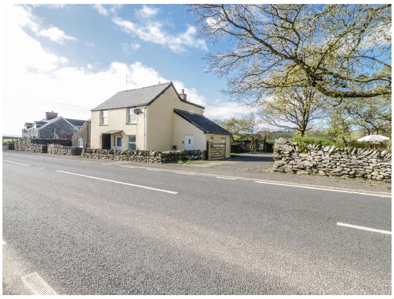 5 Ceirnioge Cottages a british holiday cottage for 4 in ,