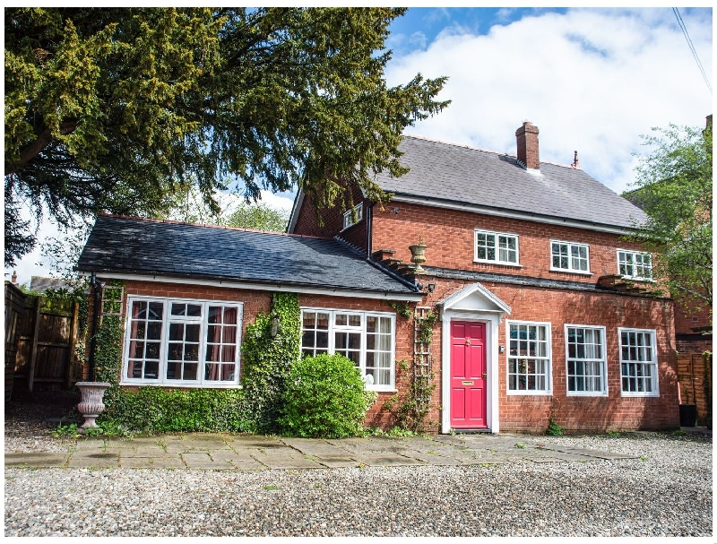 Dorrington Court a british holiday cottage for 7 in ,