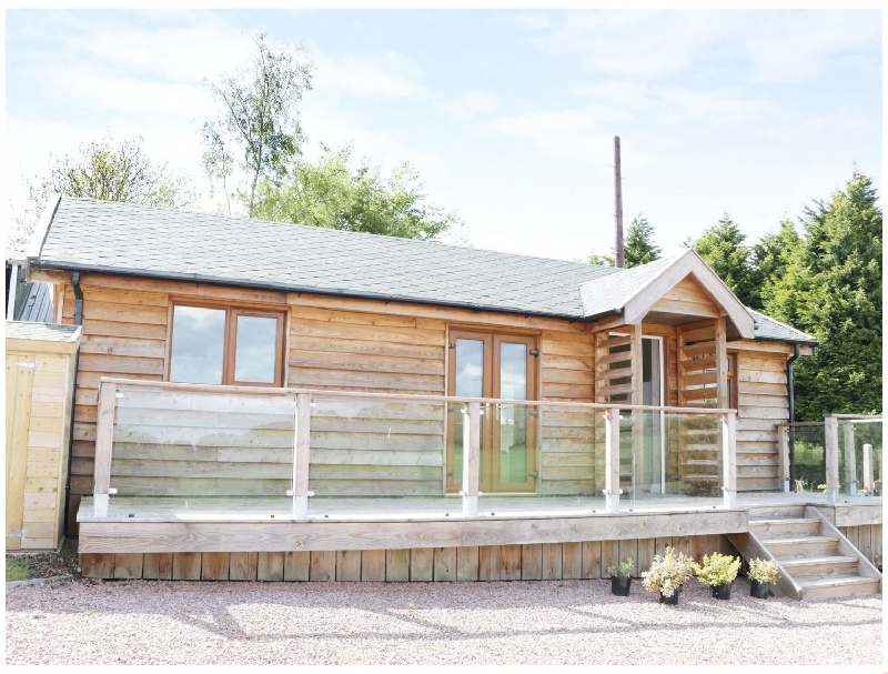 Hill View Lodge 2 a british holiday cottage for 4 in ,