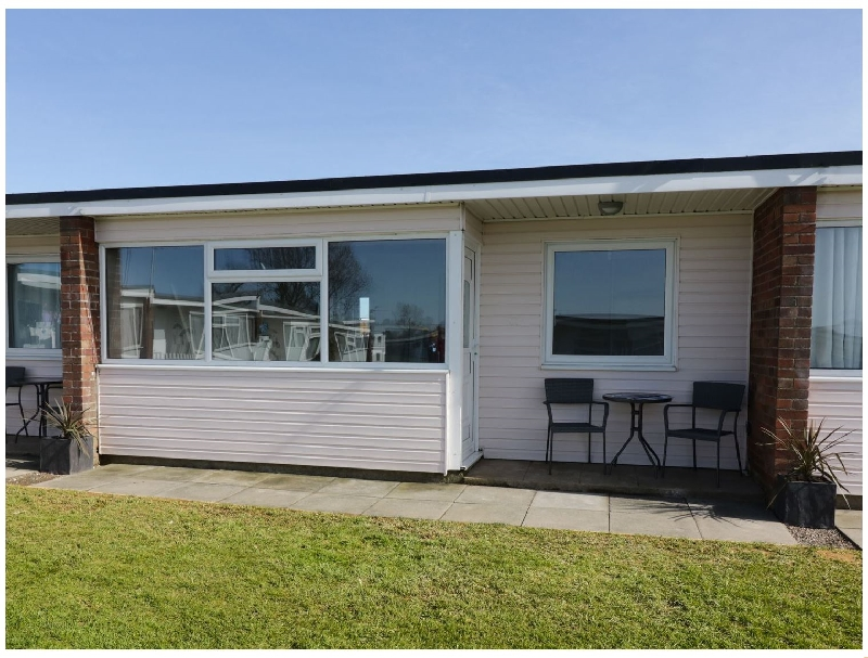 144 Sunbeach Chalet a british holiday cottage for 4 in ,