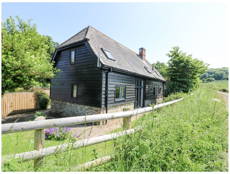 Little Duxmore Barn a british holiday cottage for 8 in ,
