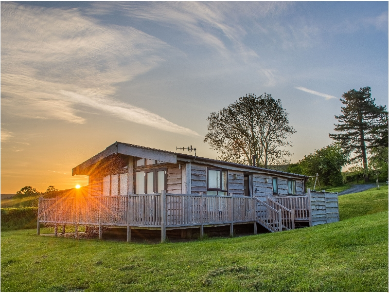 Moonrise Lodge - Curlew Lodge a british holiday cottage for 4 in ,