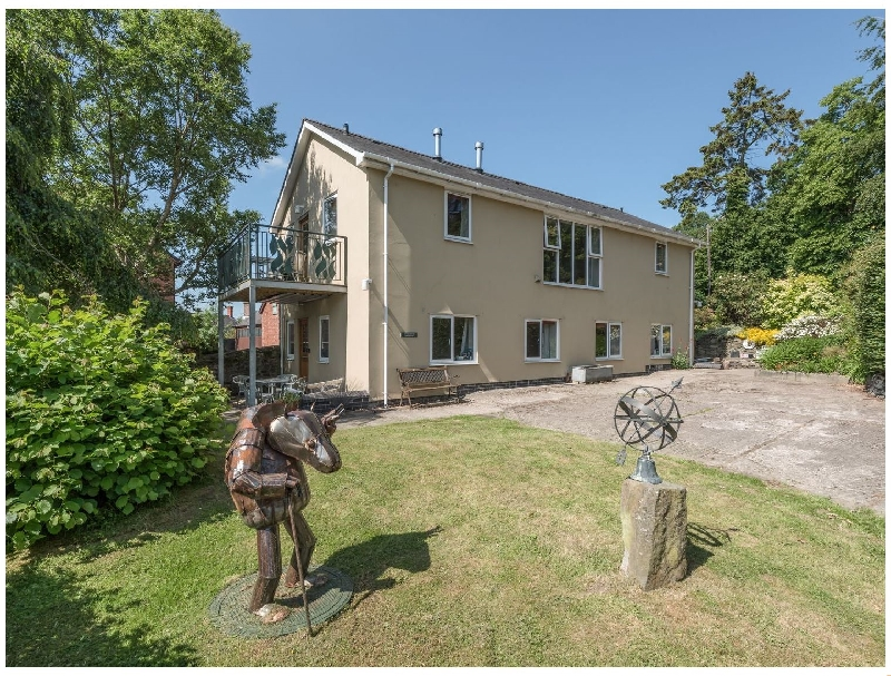 The School Bakehouse Apartment a british holiday cottage for 4 in ,
