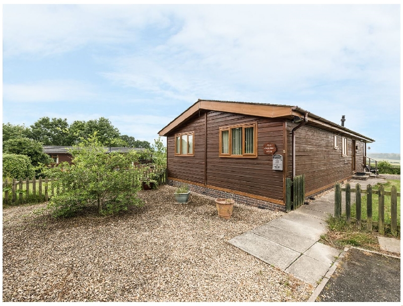 Eagle Rise Lodge a british holiday cottage for 4 in ,