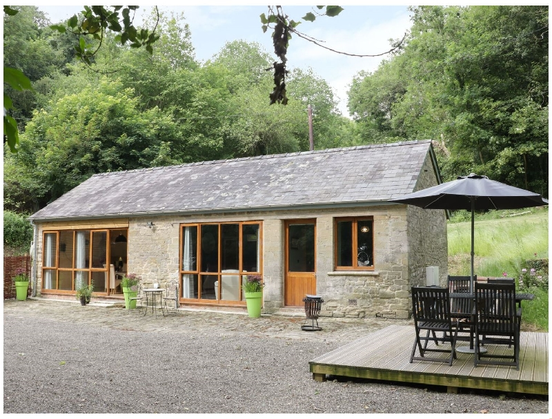 Woodpecker Cottage a british holiday cottage for 2 in ,