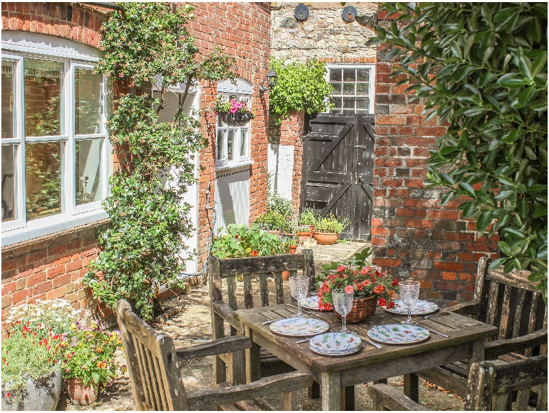 Pinings Yard a british holiday cottage for 4 in ,