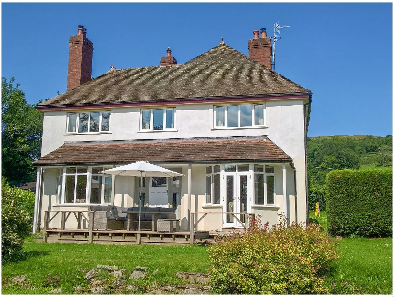 Hillside a british holiday cottage for 8 in ,