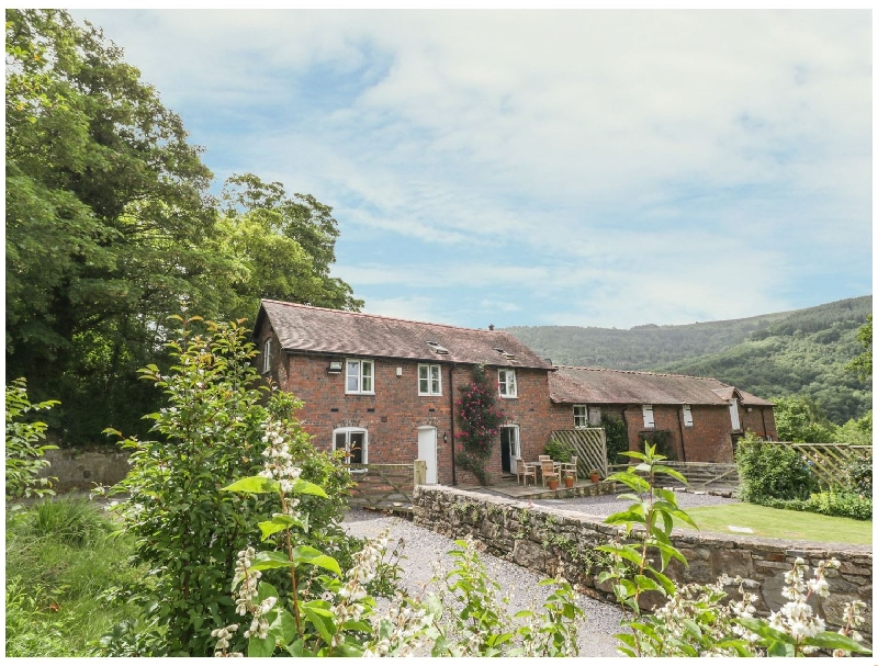 Bryn Howell Stables a british holiday cottage for 6 in ,