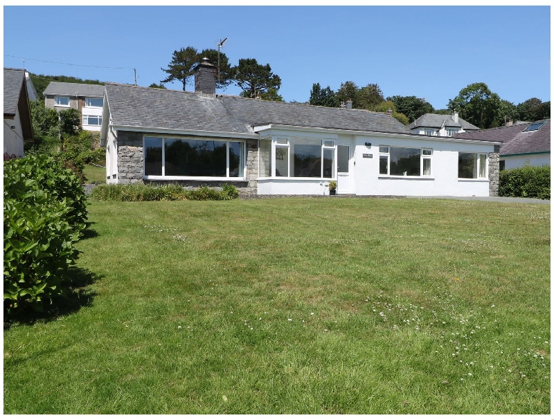 Cae Glas a british holiday cottage for 6 in ,