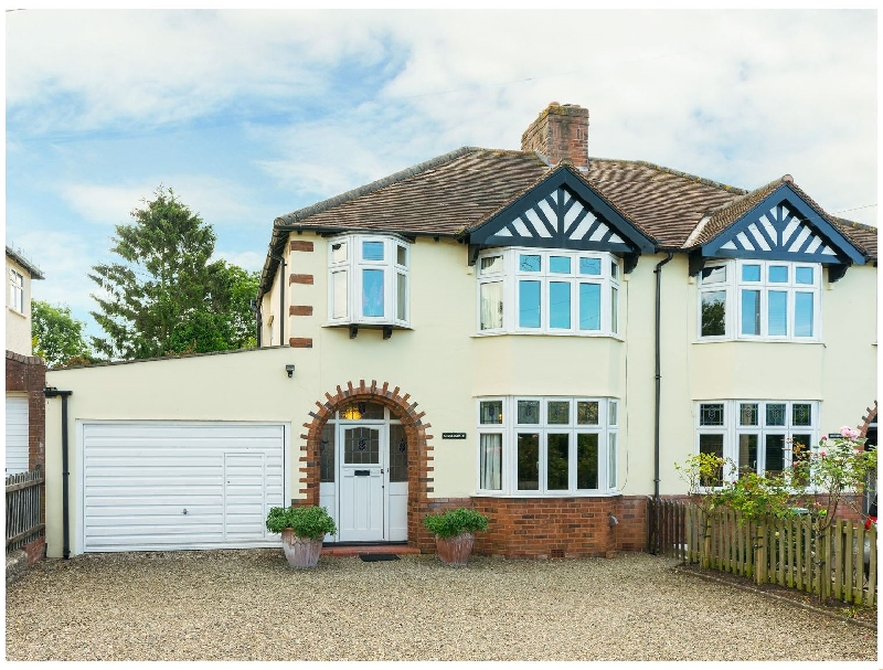 Sunningdale a british holiday cottage for 4 in ,