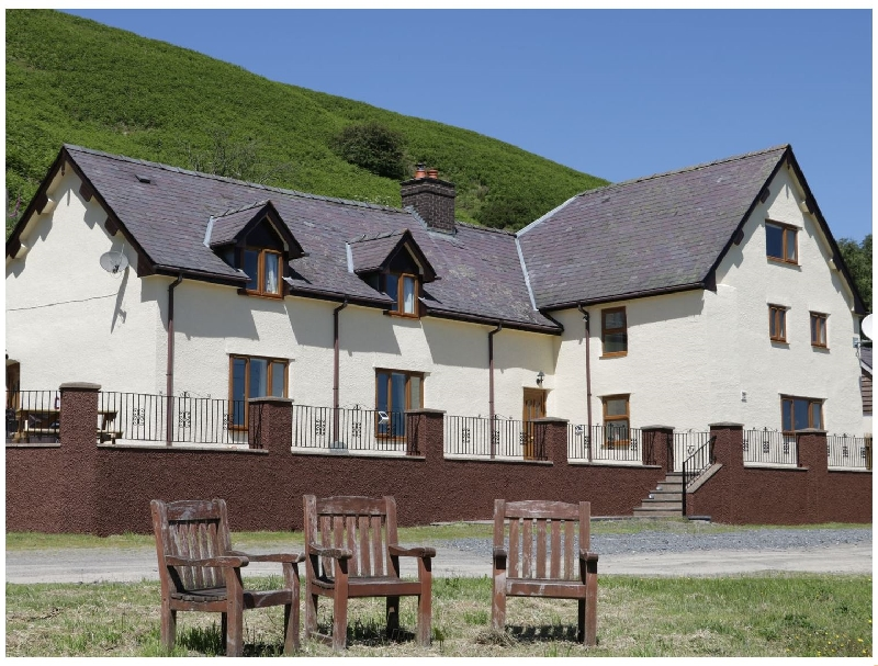Maesgwyn a british holiday cottage for 10 in ,