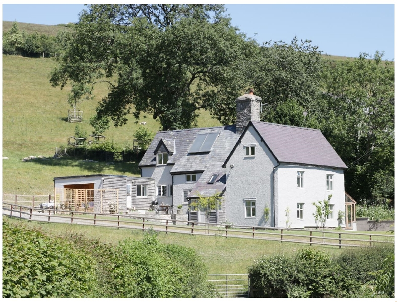 Lower Hodre a british holiday cottage for 9 in ,