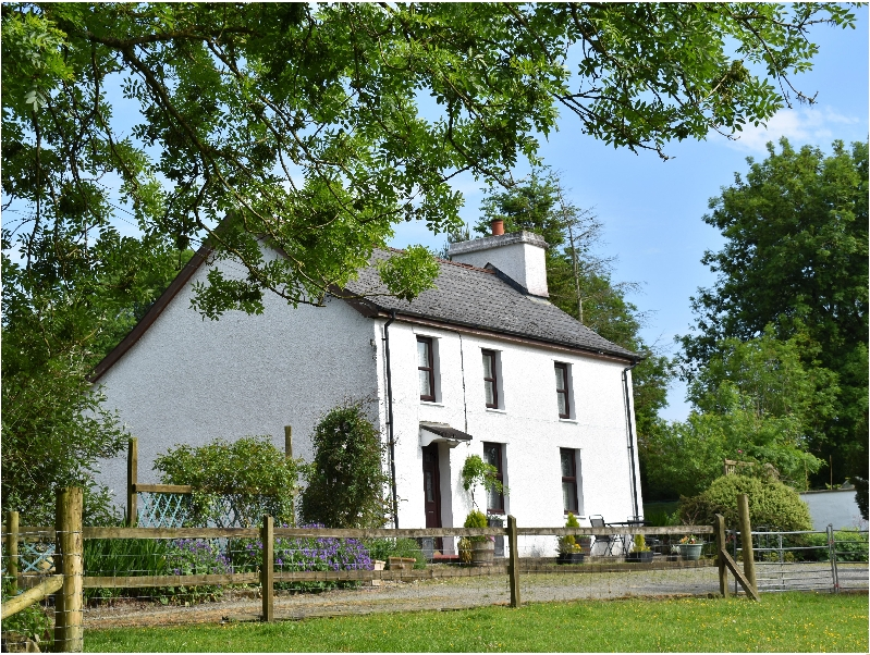 Penlon a british holiday cottage for 7 in ,