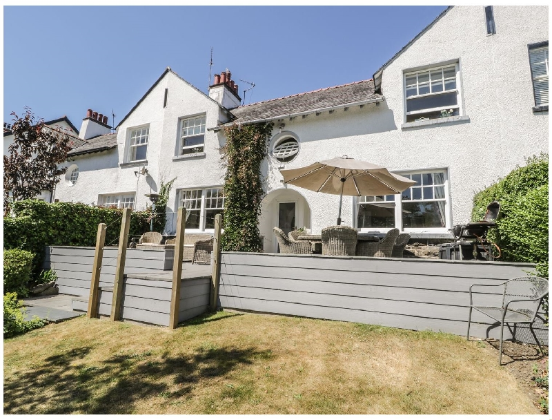 Moss Bank House a british holiday cottage for 8 in ,