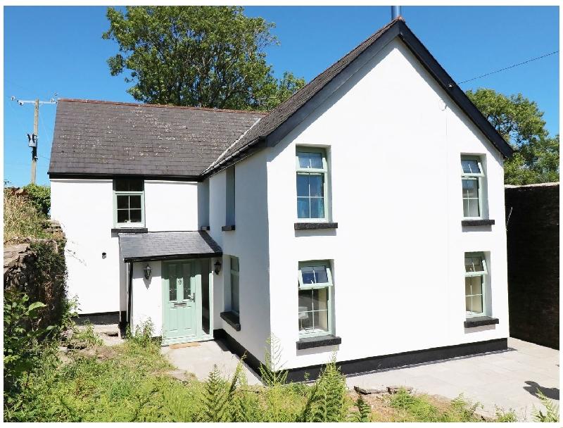 Ty Ffarm at Gellilwch a british holiday cottage for 10 in ,