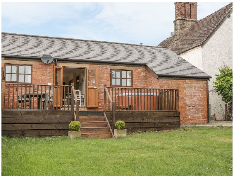 Old Hall Barn 1 a british holiday cottage for 4 in ,
