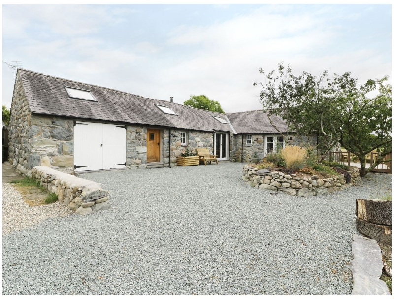 Beudy'r Wennol a british holiday cottage for 6 in ,