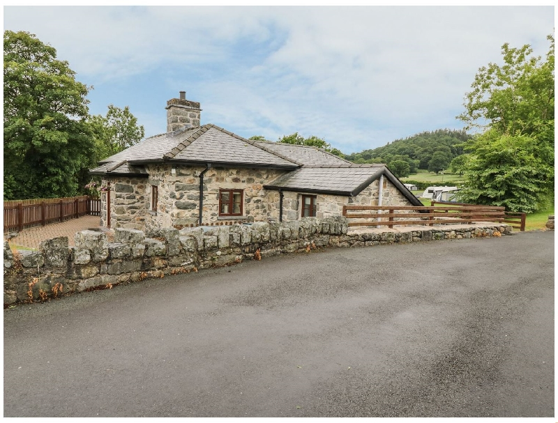 Glanllyn Lodge a british holiday cottage for 5 in ,