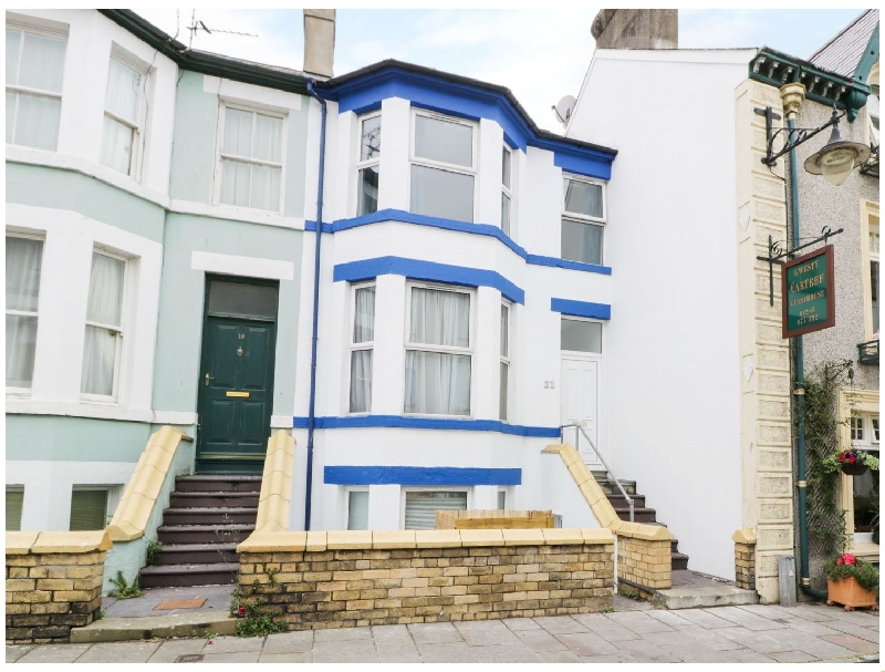 21 Market Street a british holiday cottage for 8 in ,