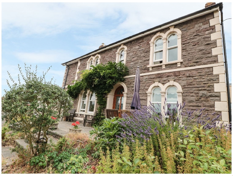 Rosehill a british holiday cottage for 8 in ,