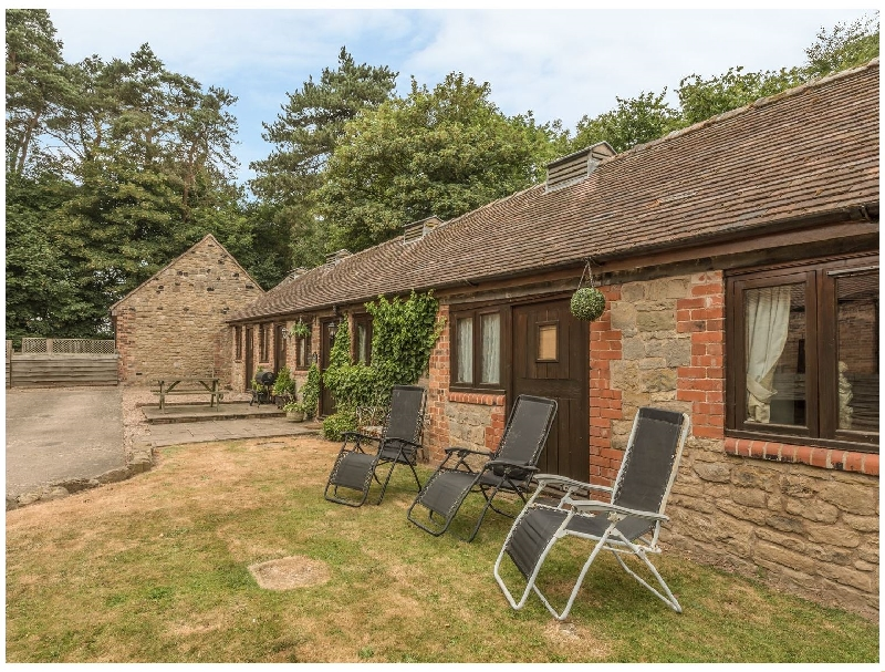 Spinney Retreat a british holiday cottage for 4 in ,