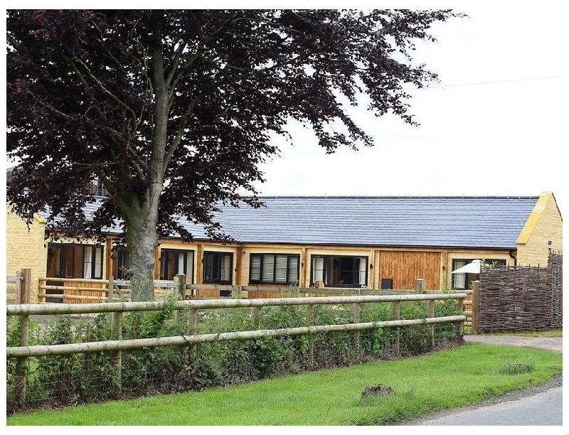 Court Hayes Farm Barns a british holiday cottage for 8 in ,