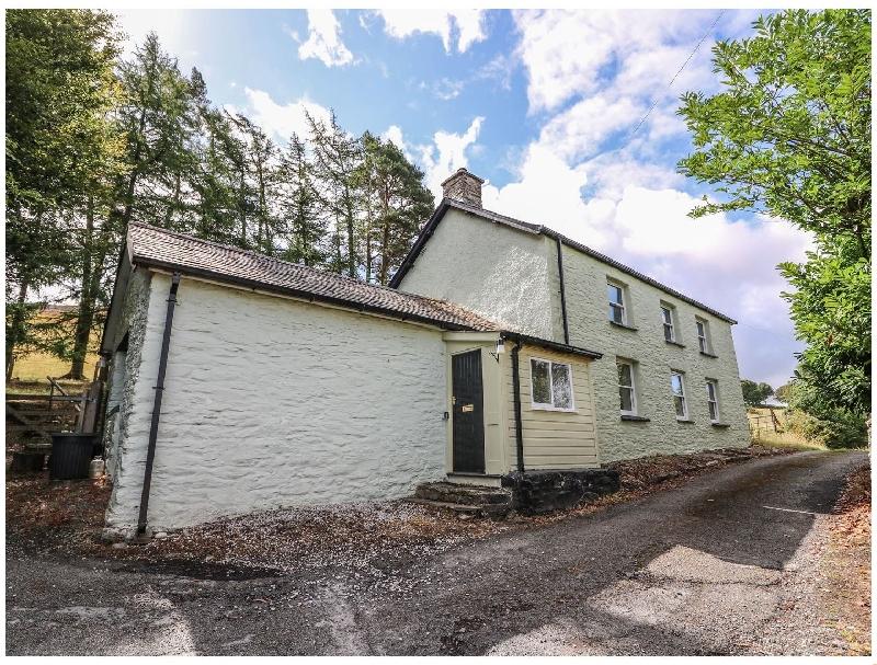 Gwyncoed Fawr a british holiday cottage for 6 in ,