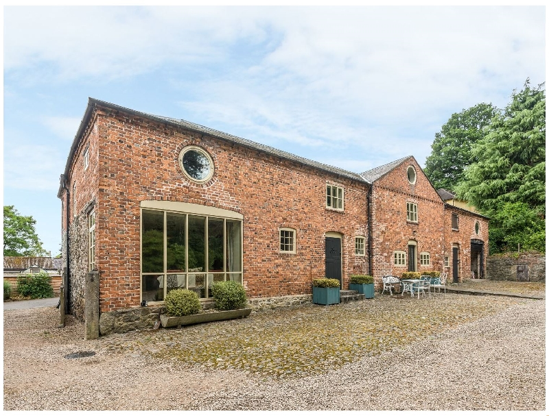 The Coach House a british holiday cottage for 10 in ,