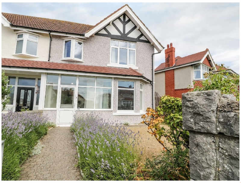 Hafan y Mor a british holiday cottage for 7 in ,