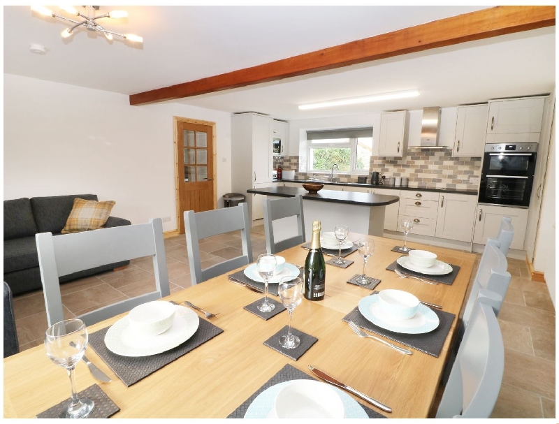 Ysgubor Fawr a british holiday cottage for 8 in ,