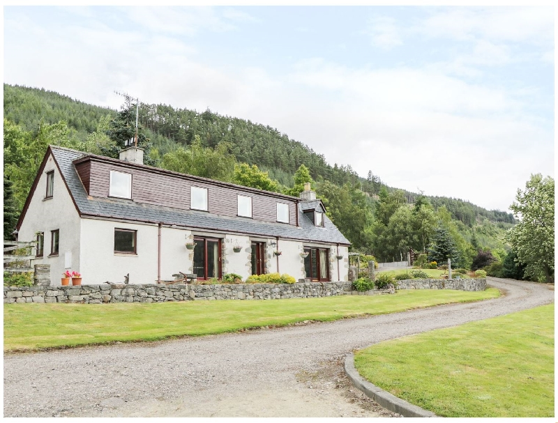 Carnoch Farm Cottage a british holiday cottage for 6 in ,