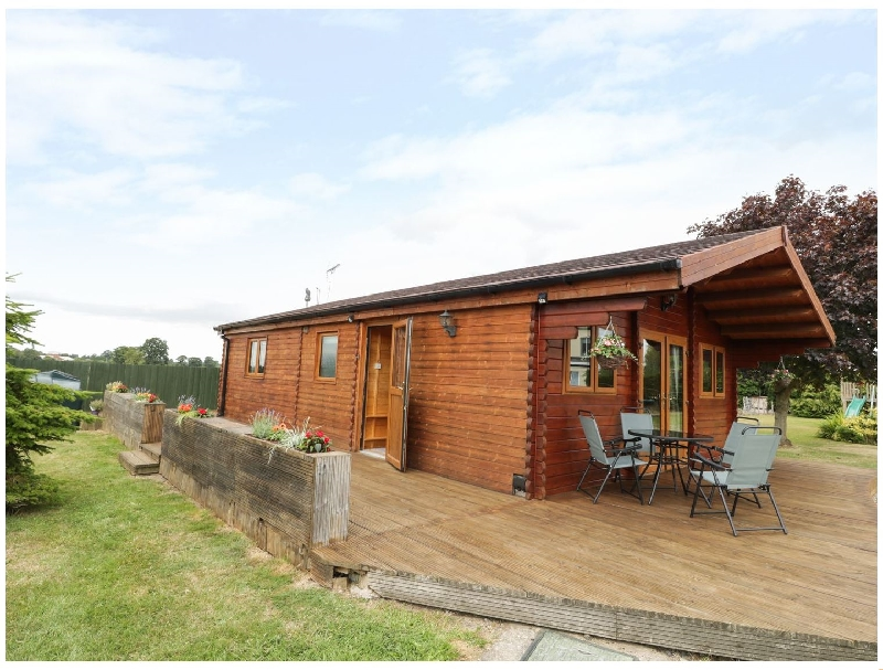 Mayfields Lodge a british holiday cottage for 4 in ,