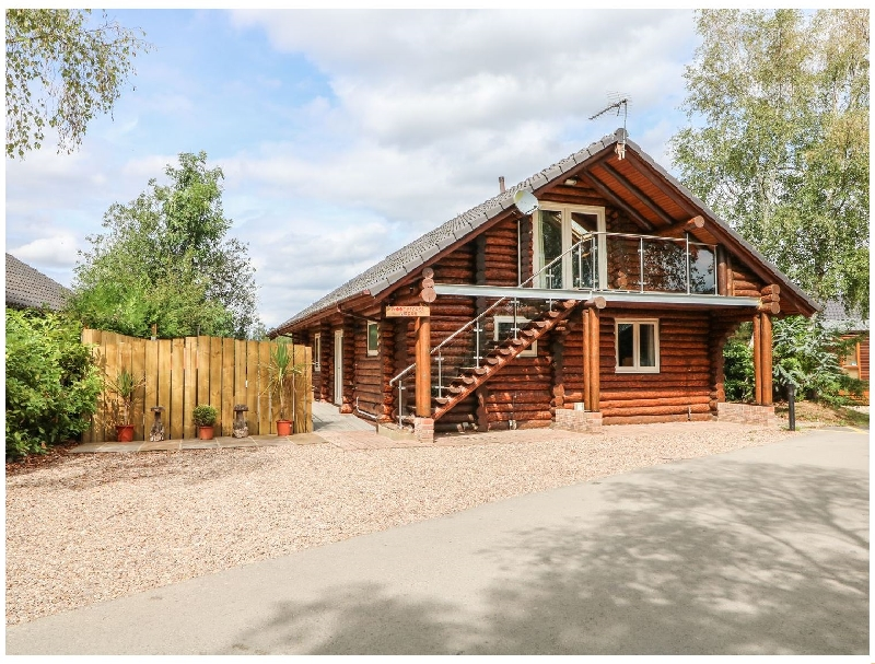 Woodpecker Lodge a british holiday cottage for 6 in ,