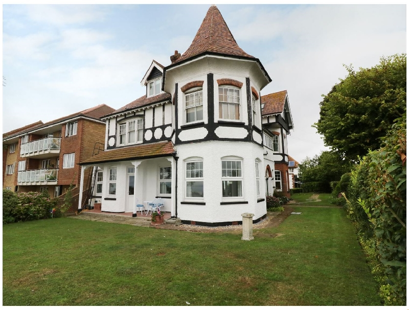 Flat 1- Cambridge Court a british holiday cottage for 4 in ,