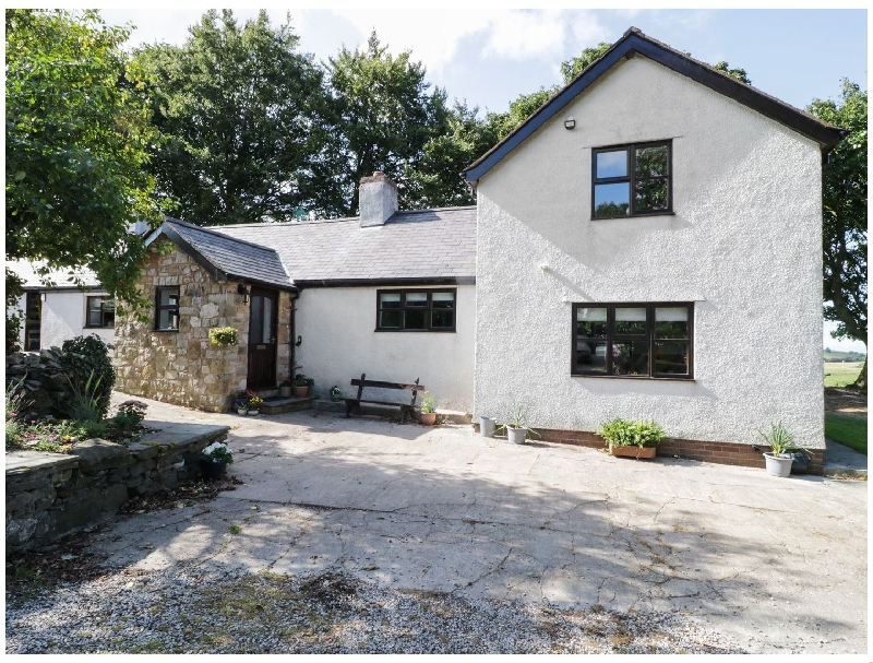 Garth Cottage a british holiday cottage for 11 in ,