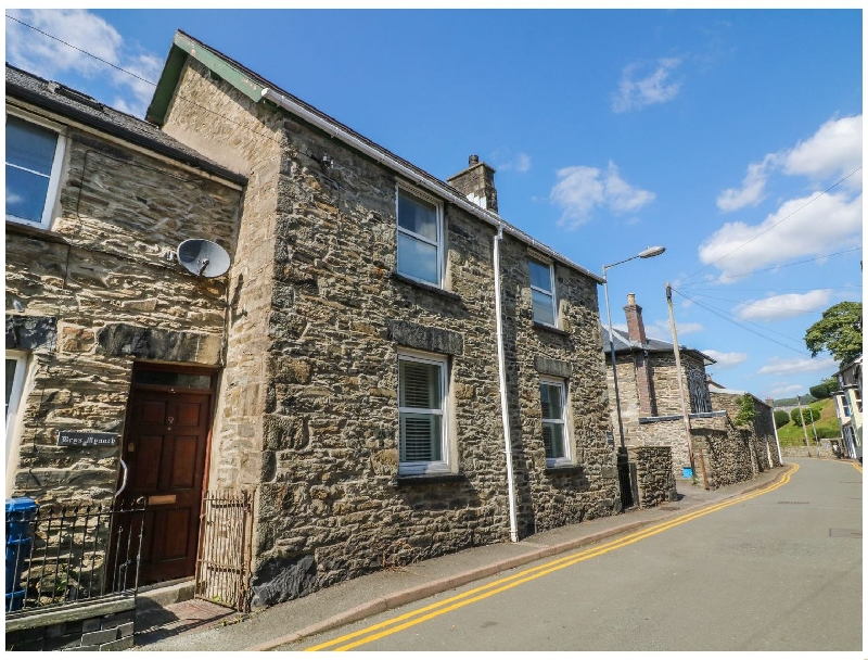 The Old School House a british holiday cottage for 6 in ,
