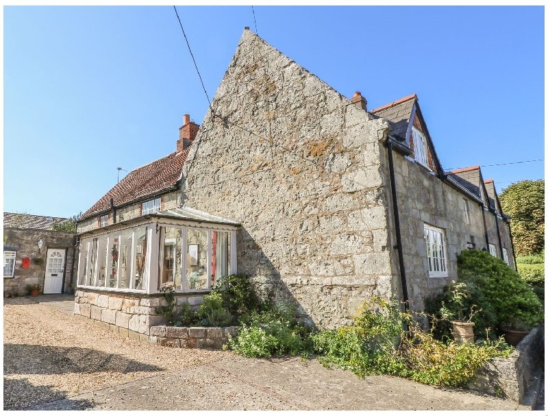 Brading Cottage a british holiday cottage for 8 in ,