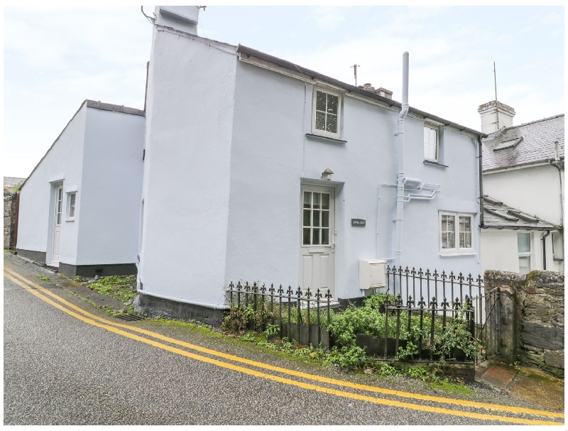 Bryn Coed a british holiday cottage for 4 in ,