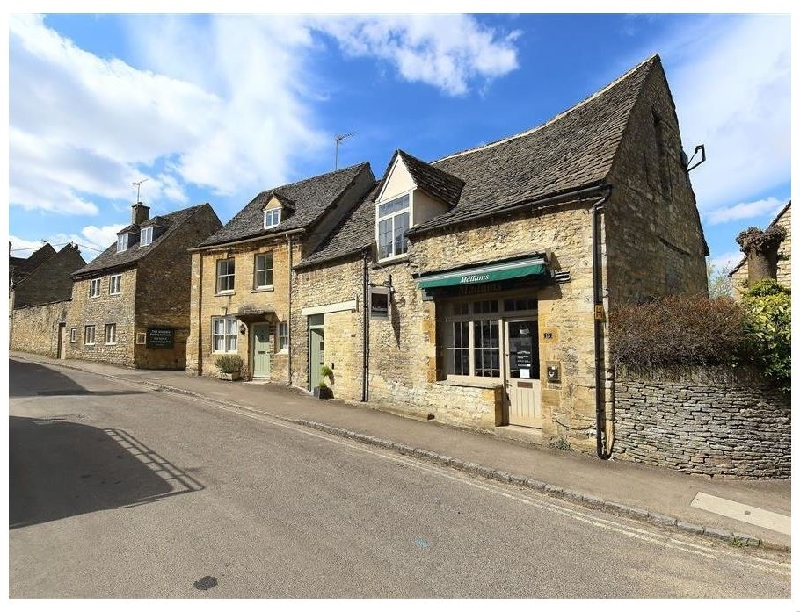 Burford's Old Bakery a british holiday cottage for 4 in ,