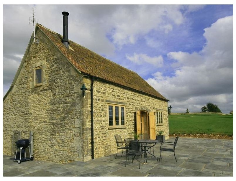 Calcot Peak Barn a british holiday cottage for 4 in ,