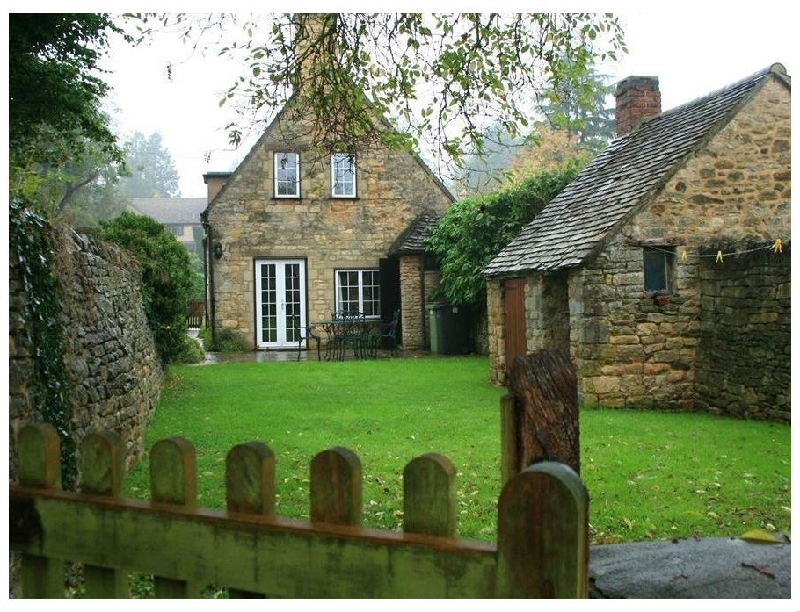 Campden Cottage a british holiday cottage for 4 in ,