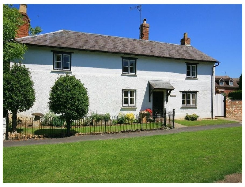 Elmhurst Cottage a british holiday cottage for 9 in ,